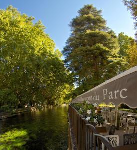 Location gîte, chambres d'hotes Hotel Restaurant du Parc dans le département Vaucluse 84