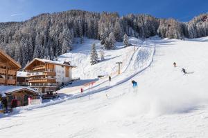 Giardin Boutique B & B - Hotel - Selva di Val Gardena