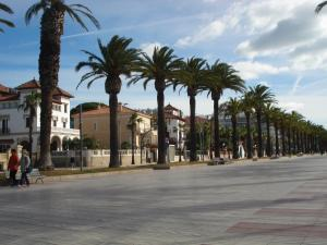 Pineda Beach, Ferienwohnungen  La Pineda - big - 10