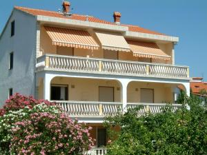 Albergues - Guesthouse Mira