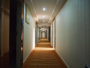Jing Hui Hotel Chepi Station Suning Square Branch, Отели  Гуанчжоу - big - 10