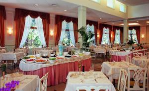 Hotel Sollievo, Szállodák  Montegrotto Terme - big - 17