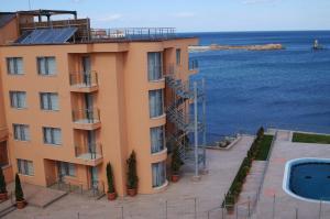 Neven Hotel