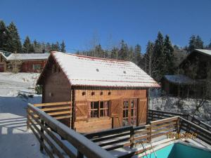 Location gîte, chambres d'hotes Chalet Monts Jura dans le département Ain 1