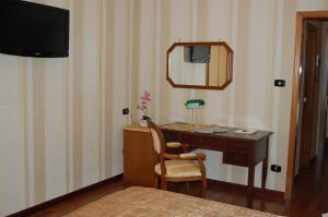 Hotel Ristorante Donato, Hotels  Calvizzano - big - 79