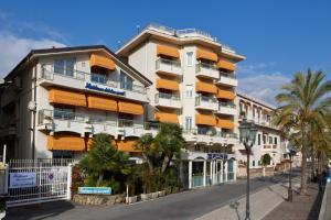 Residence Dei Due Porti - AbcAlberghi.com
