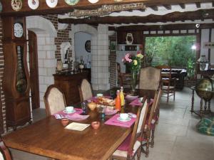 La Maison de l'Epousée B&B, Bed & Breakfasts  Abbeville - big - 32