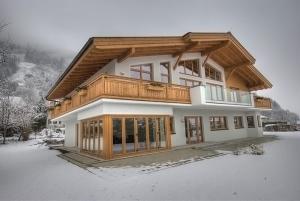 Chalet Apartment Ski and Golf by Kaprun Rentals