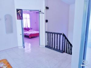 Seroja Guest House - Kampong Tanyong Bale