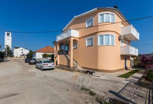Zeljka apt. w. balcony & BBQ, Apartmanok  Bibinje - big - 1