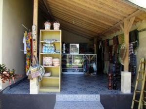 Yuli's Homestay, Проживание в семье  Кута, остров Ломбок - big - 51
