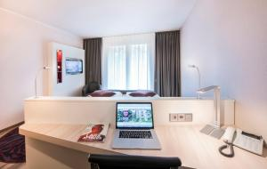 Standard Double Room Collegium Leoninum