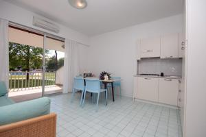 Residence Selenis, Apartments  Caorle - big - 93