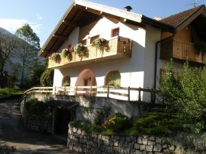 Villa Ilaria, Bed & Breakfasts  Caderzone - big - 11