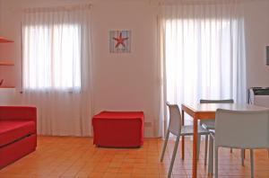 Residence Selenis, Apartmány  Caorle - big - 12