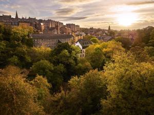 The Edinburgh Residence (2 of 77)