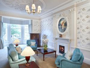 The Edinburgh Residence (10 of 77)