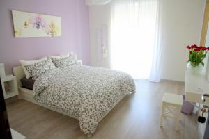 B&B BuonaLuna, Bed and Breakfasts  Salerno - big - 2