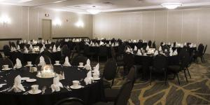 Embassy Suites by Hilton Milwaukee Brookfield, Hotels  Brookfield - big - 53