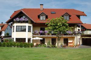 Gästehaus Am Sonnenhang - Eschenbach in der Oberpfalz