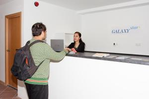 GalaxyStar Hostel Barcelona, Хостелы  Барселона - big - 35