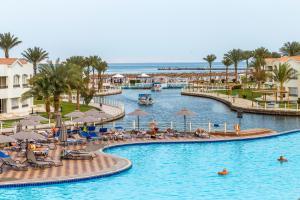 Dana Beach Resort - Families a..