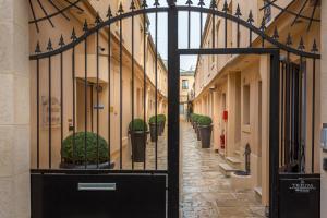 Hotel De L'Horloge, Aparthotels  Paris - big - 71