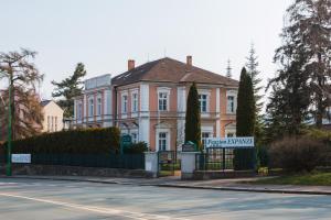 Albergues - Expanze Jaroměř