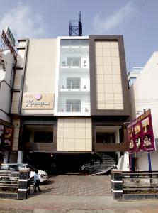 Auberges de jeunesse - Hotel Karpagam International