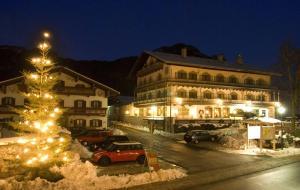 Landgasthof Zur Post - Hotel - Schleching