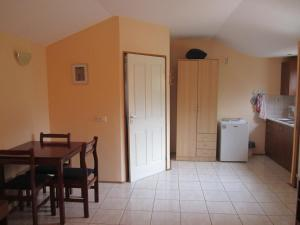 Pension/Appartement Lale, Apartmanok  Pestani - big - 15