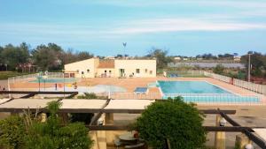 Location gîte, chambres d'hotes Village vacances & camping de Gruissan dans le département Aude 11