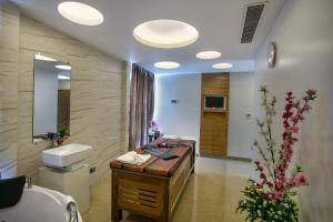 FARS Hotel & Resorts, Szállodák  Dakka - big - 41