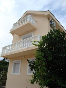 Holiday Home by the Sea, Nyaralók - Tivat