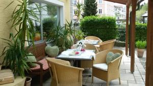 Hotel Pension Lindenhof, Гостевые дома  Прин-ам-Кимзее - big - 58