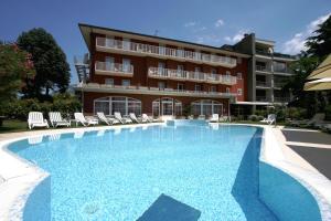 Hotel Villa Rosa, Hotely  Nago-Torbole - big - 63