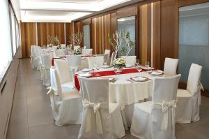 Hotel Ristorante Donato, Hotel  Calvizzano - big - 57