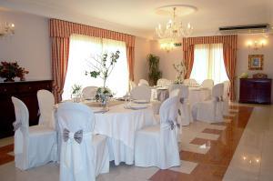 Hotel Ristorante Donato, Hotel  Calvizzano - big - 67