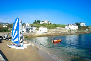 Portmellon Cove Guest House, Bed & Breakfast  Mevagissey - big - 16