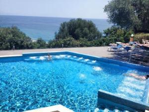 Villaggio Turistico La Fenosa - AbcAlberghi.com