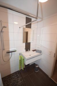 Ferienwohnung Hagener Meer, Apartments  Mehrhoog - big - 8