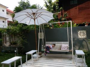 Lada House, B&B (nocľahy s raňajkami)  Lampang - big - 77