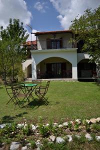 Xenonas Aloni  Greece