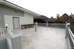 Lada House, B&B (nocľahy s raňajkami)  Lampang - big - 64