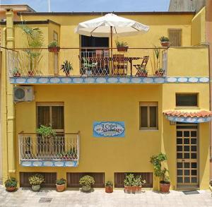 I Colori dell'Arcobaleno, Bed and Breakfasts  Santo Stefano di Camastra - big - 25