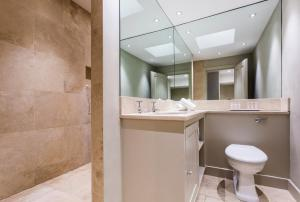 onefinestay - South Kensington private homes III, Апартаменты  Лондон - big - 16
