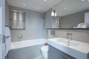 onefinestay - South Kensington private homes III, Апартаменты  Лондон - big - 13