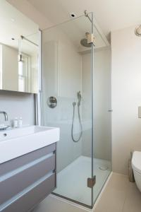 onefinestay - South Kensington private homes III, Апартаменты  Лондон - big - 11