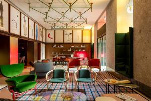 Room Mate Giulia - AbcAlberghi.com