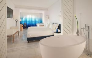 Mykonos Grand Hotel & Resort (40 of 54)
